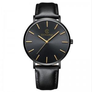 Montre pour homme élegante et très plate avec un bracelet en cuir noir