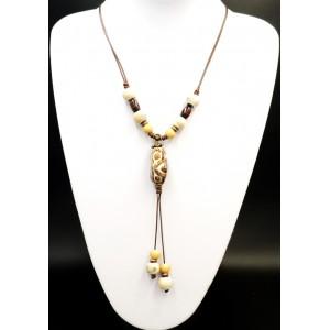 Collier en céramique beige et maron, perles de bois sur cordons cirés marron